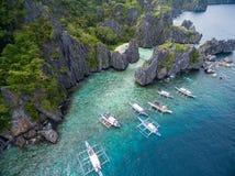Versteckter Strand in Matinloc-Insel in EL Nido, Palawan, Philippinen Weg des Ausflugs C und Besichtigungs-Platz Lizenzfreies Stockbild