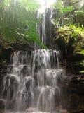 Versteckter Wasserfall Lizenzfreies Stockbild