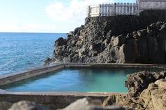 Verstecktes Ozean-Wasser-Pool stockbilder