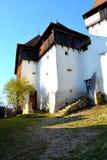 Versterkt kerkpanorama in Viscri, Transsylvanië, Roemenië stock afbeeldingen