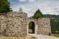 Versterkt middeleeuws Studenica-klooster royalty-vrije stock foto's