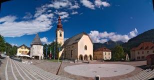 Versterkte Kerk van Heilige Peter en Paul in Tarvisio Royalty-vrije Stock Fotografie