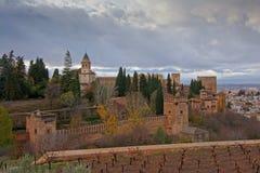 Versterkte muren en tuinen van Alhambra, Andalusia, Spanje Stock Foto's