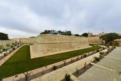 Versterkte muren Mdina, Malta Royalty-vrije Stock Afbeelding
