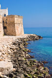 Versterkte muur. Monopoli. Puglia. Italië. Stock Afbeeldingen