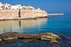 Versterkte muur. Monopoli. Puglia. Italië. Royalty-vrije Stock Foto's