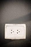 Verstopfen Sie das Gerät, das benutzt wird, um elektrische Signale an elektrisches anzuschließen stockfotos