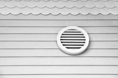 Verstrek verse lucht in huis Ventilatie op huis De gehele systemen van de huisventilatie Manieren om uw huis te ventileren lucht stock afbeelding
