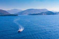 Versuchsboot, wie es sich nähert Lizenzfreies Stockbild