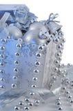 vert chrisrmas коробки шарика серебряное Стоковое фото RF