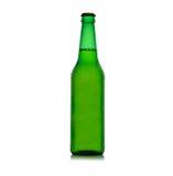 Vert de bouteille à bière avec des baisses Photos stock