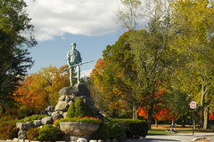 Vert de statue et de bataille de Minuteman Photos stock