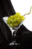 vert en verre de raisins Photo stock
