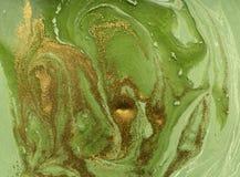 Vert marbré et fond abstrait d'or Modèle de marbre liquide images stock