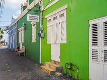 Vert - vues du Curaçao de secteur de Petermaai photographie stock