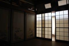 Vertaling: ` Een traditionele ruimte `, bij een oud Japans huis in Fukuoka, royalty-vrije stock foto's