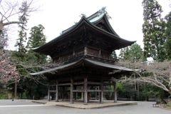 Vertaling: ` Engakuji Zen tempel ` Één van Vijf Groot Zen Temples Gozan, stock foto's
