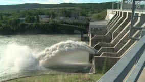Vertedouro da represa hidroelétrico de Ghost vídeos de arquivo