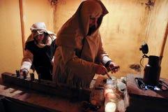 Vertegenwoordiging van oude ambachten in het leven geboorte van Christusscène stock foto's