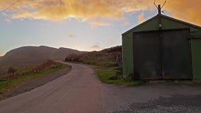 Vertente só durante o por do sol no Quiraing na ilha de Skye - Escócia vídeos de arquivo