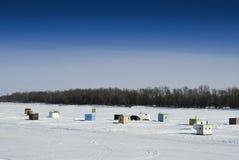 Vertentes da pesca do gelo Imagens de Stock Royalty Free