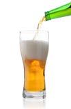 Verter la cerveza ligera Imagen de archivo libre de regalías