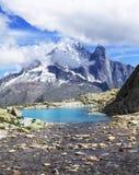 Verticaal alpien landschap stock fotografie
