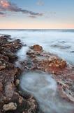 Verticaal zeegezicht bij zonsondergang Royalty-vrije Stock Afbeeldingen