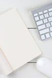 Vertical branco da mesa do escritório domiciliário Fotos de Stock