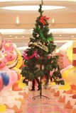 Vertical composition; Christmas tree. Vertical composition shooting at the mall with Christmas tree Royalty Free Stock Photography