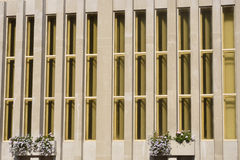 Vertical concrete office block pattern Royalty Free Stock Photos