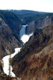 Vertical de la punta del artista de la barranca de Yellowstone Fotos de archivo