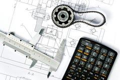 Vertical del cierre del modelo del engranaje y del calibrador Imagen de archivo libre de regalías