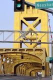 Vertical del puente de la torre Imagen de archivo libre de regalías