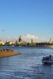 Vertical krajobraz St Petersburg w lecie główni przyciągania miasto Neva rzeka z statkami Obrazy Stock