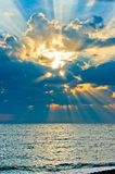 Vertical shot of a beautiful sky with sun rays Royalty Free Stock Photos