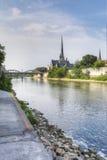 Vertical Spokojny ranek Uroczystą rzeką w Cambridge, Canad Obrazy Stock