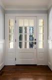 Vertical strzelał zamknięty, drewniany dzwi wejściowy, Zdjęcie Stock