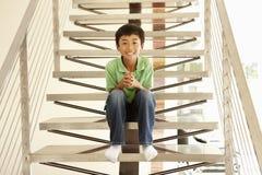 Verticale asiatique de garçon Images libres de droits