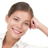 Verticale asiatique de sourire Relaxed de femme Photographie stock