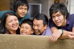 Verticale asiatique de style de vie de famille Images libres de droits