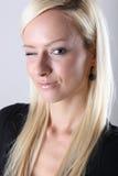 Verticale blonde de fille Photographie stock libre de droits