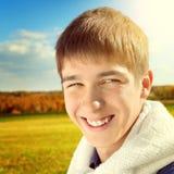 Verticale d'adolescent extérieure Photographie stock libre de droits