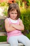 Verticale d'enfant - offensée images libres de droits