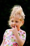 Verticale d'enfant pensive photographie stock