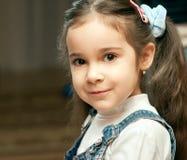 Verticale d'enfant préscolaire Photos libres de droits