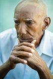 Verticale d'homme aîné chauve triste Image stock