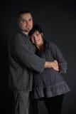 Verticale d'homme heureux et de femme enceinte Image libre de droits