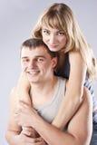 Verticale d'un beau jeune couple. Famille Images stock