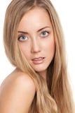 Verticale d'un beau modèle femelle Photos stock